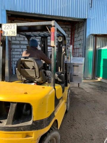 Подъем холодильного оборудование весом 280кг для дерево декор на склад