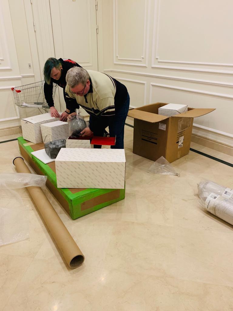 Доставка сборка мебели частному лицу в СПб от компании ТИП